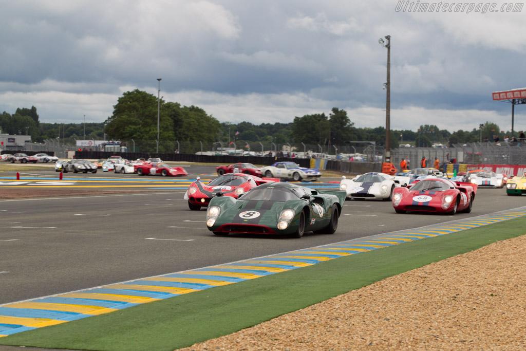 Lola T70 Mk3b Coupe - Chassis: SL76/147 - Driver: David Hart  - 2014 Le Mans Classic