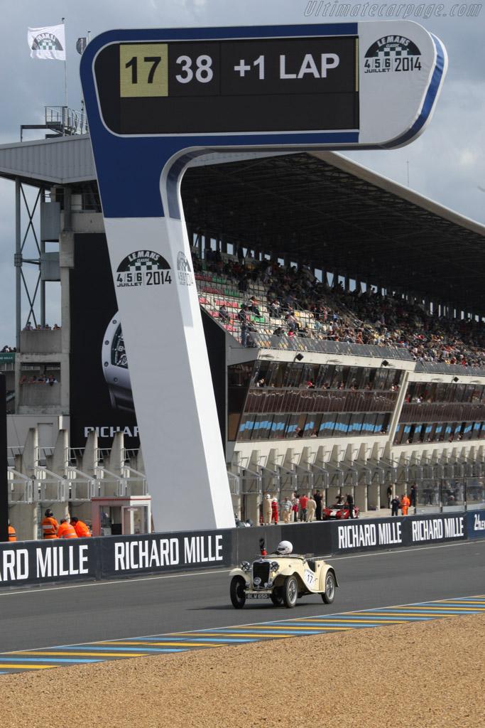 Singer Le Mans - Chassis: 62747 - Driver: Pierre-Henry Mahul / Jean Aubour / Michel Fournier  - 2014 Le Mans Classic