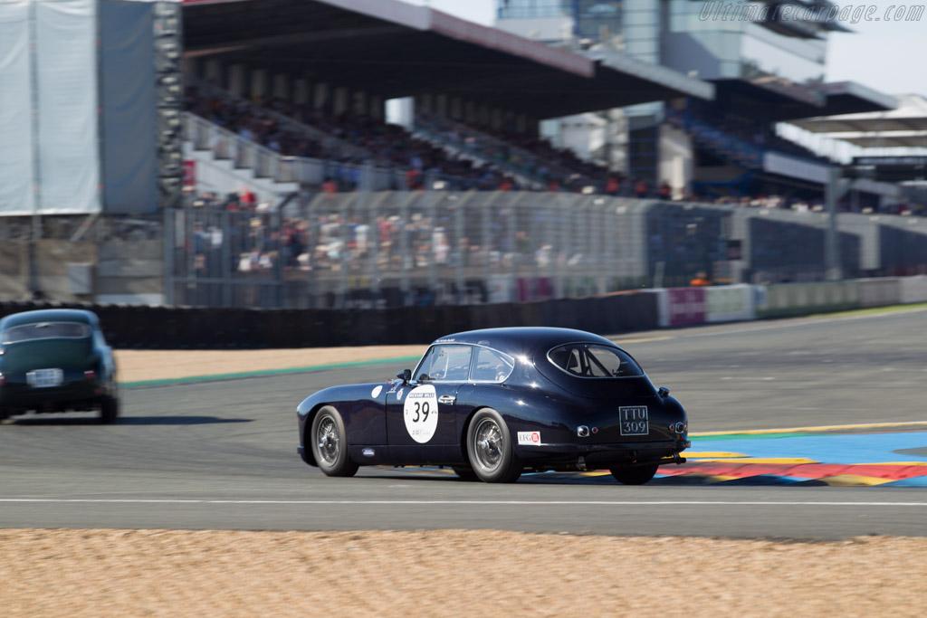 Aston Martin DB2/4 - Chassis: LML/837 - Driver: Nicholas Ruddell - 2016 Le Mans Classic