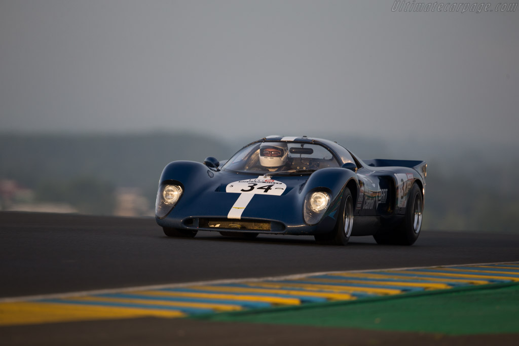 Chevron B16 - Chassis: CH-DBE-29 - Driver: Charlie Remnant  - 2016 Le Mans Classic