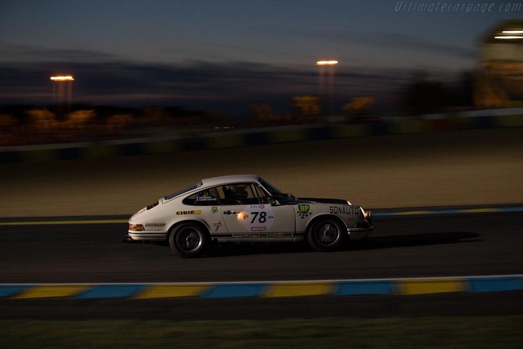 Porsche 911  - Driver: Ivan Vercoutere / Ralf Kelleners / Charles Rupp  - 2016 Le Mans Classic