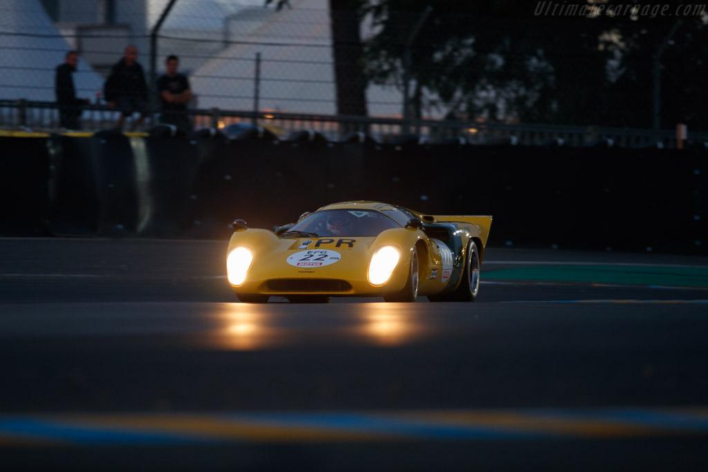 Lola T70 MkIIIB - Chassis: SL76/148 - Driver: Roald Goethe / Stuart Hall  - 2018 Le Mans Classic