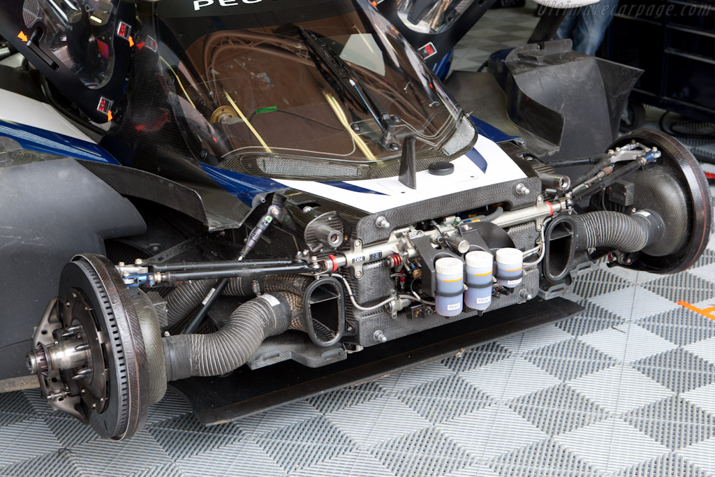 Peugeot front suspension - Chassis: 908-05   - 2011 Le Mans Test