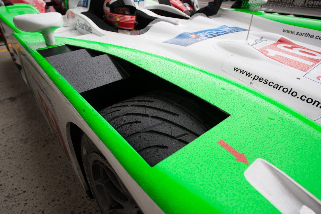 A brief shower did not disrupt testing - Chassis: 01   - 2012 Le Mans Test