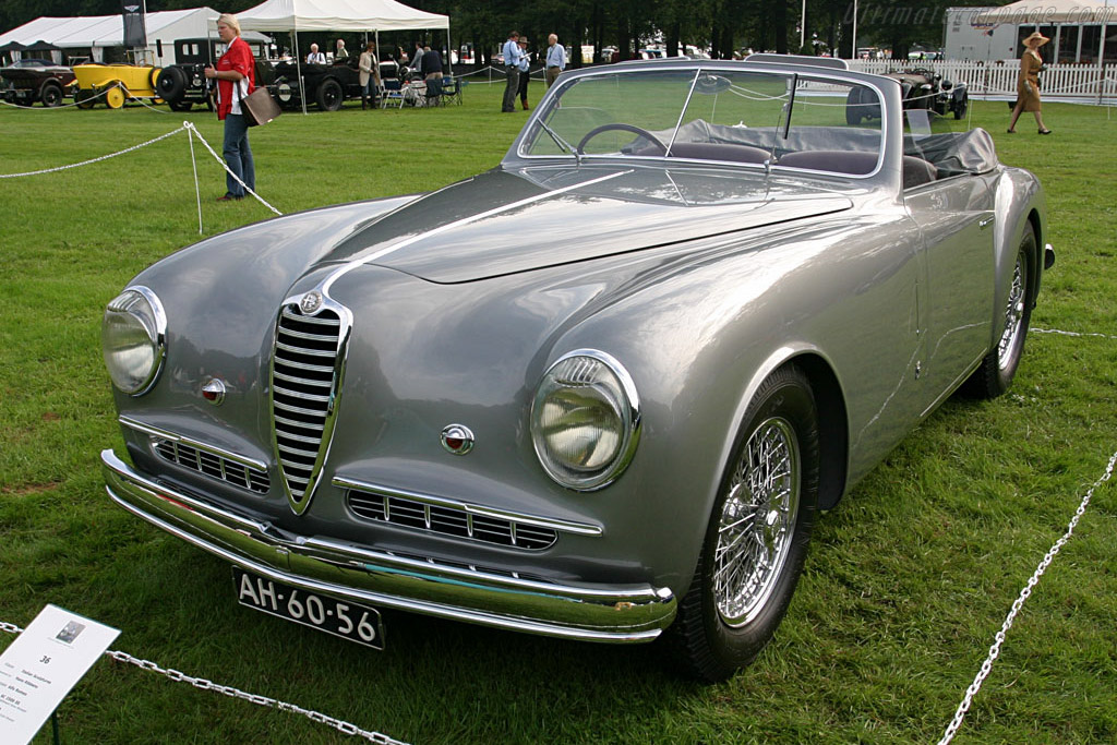 Alfa Romeo 6C 2500 SS Stablimenti Farina Cabriolet    - 2006 Concours d'Elegance Paleis 't Loo