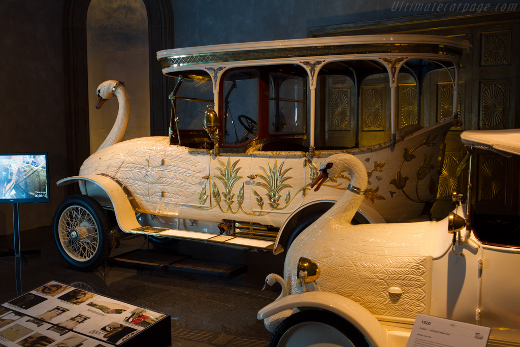 Brooke 25/30 hp Swan Car    - The Louwman Museum