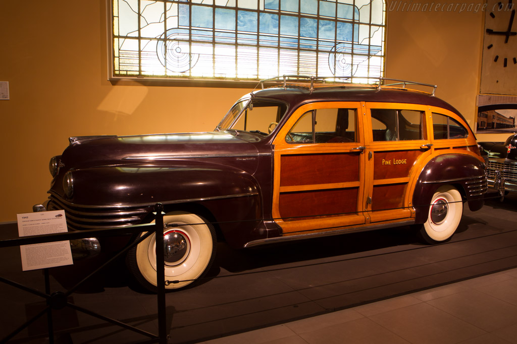 Chrysler Town & Country Station Wagon    - The Louwman Museum