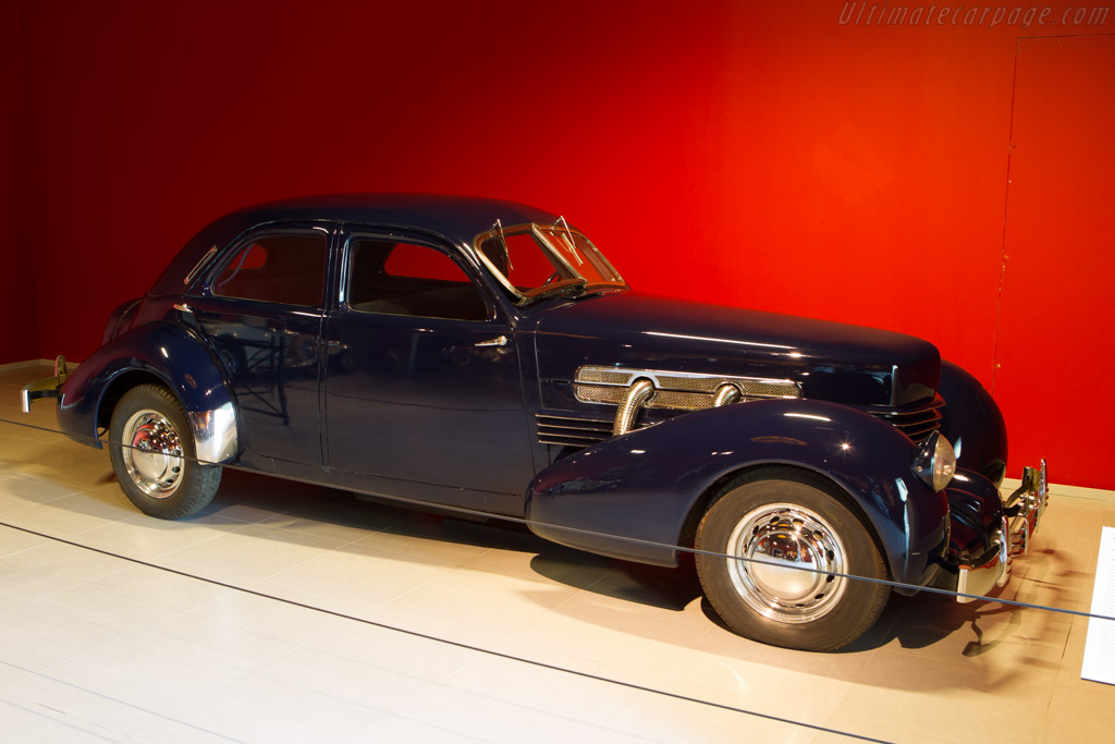 Cord 812 Supercharged Beverley Sedan    - The Louwman Museum