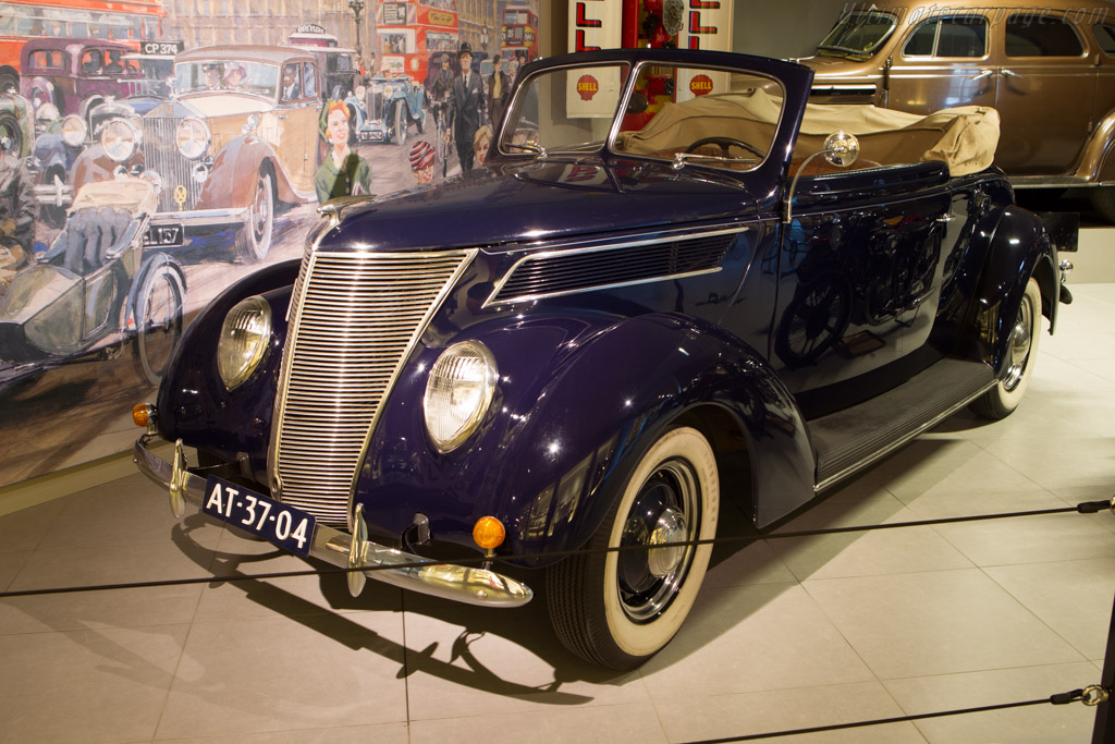 Ford V8 Cabriolet    - The Louwman Museum