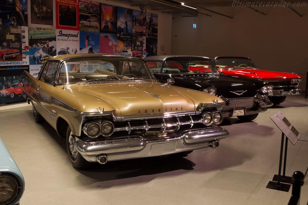Imperial Crown Sedan    - The Louwman Museum