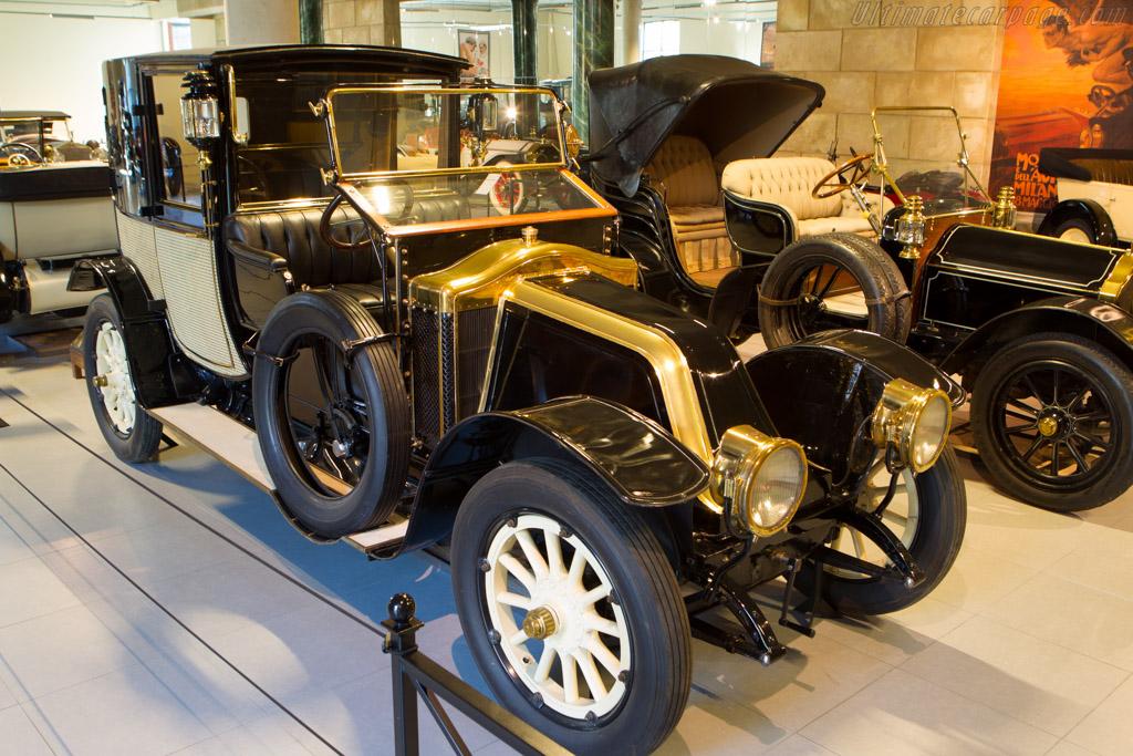 Renault 22/24CV Type DP Mühlbacher Town Car    - The Louwman Museum