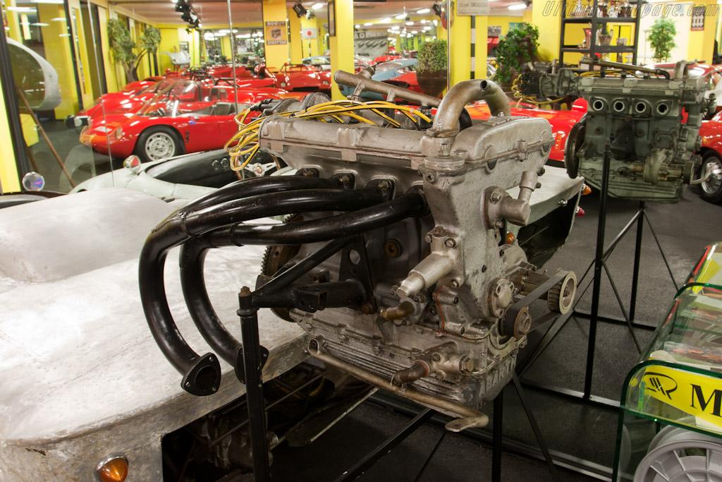 Abarth engine   - Maranello Rosso