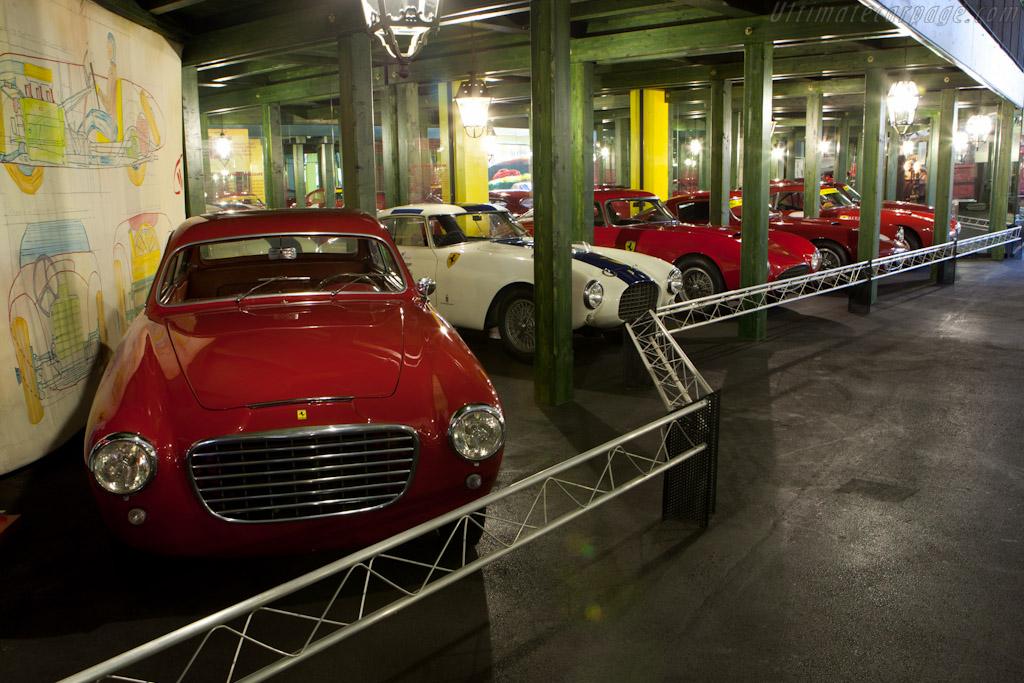Ferrari 195 S Vignale Coupe    - Maranello Rosso