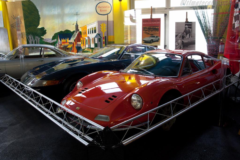 Ferrari 246 Dino GT    - Maranello Rosso