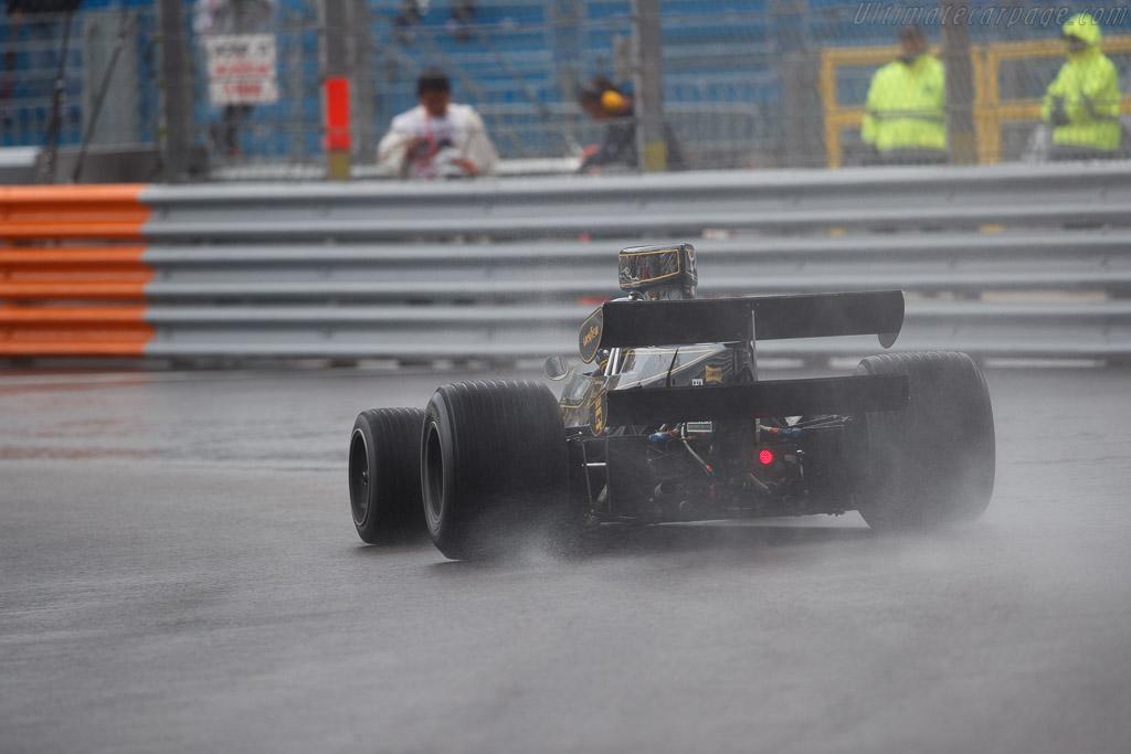 Lotus 76 - Chassis: JPS9 - Driver: Andrew Beaumont  - 2018 Monaco Historic Grand Prix