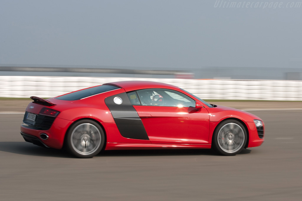 Audi R8 'Ring Taxi'    - 2009 Modena Trackdays