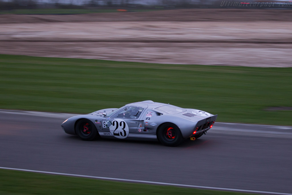Ford GT40  - Entrant: Scuderia Bear - Driver: James Cottingham  - 2017 Goodwood Members' Meeting