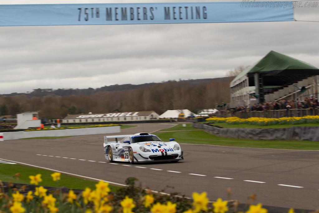 Porsche 911 GT1 Evo - Chassis: 993-GT1-004 - Driver: Richard Meaden  - 2017 Goodwood Members' Meeting