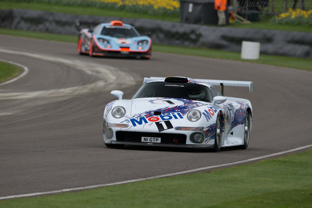 Porsche 911 GT1 Strassenversion  - Driver: Andrew Pisker  - 2017 Goodwood Members' Meeting