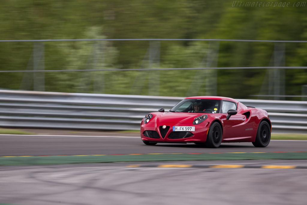 Alfa Romeo 4C    - 2015 Modena Trackdays