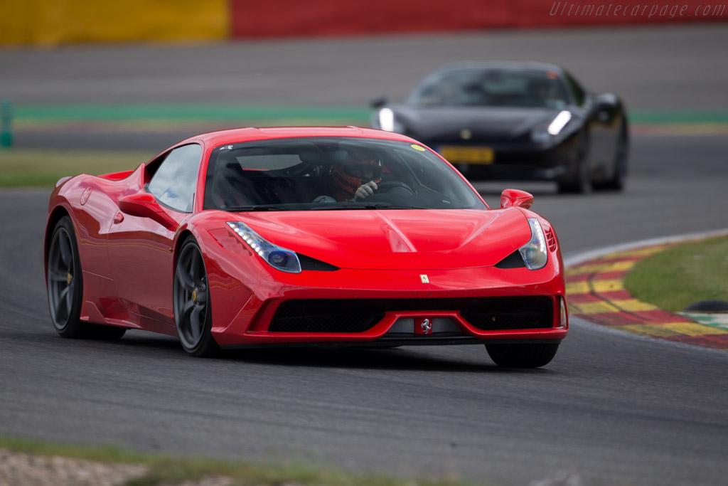 Ferrari 458 Speciale 2015 Modena Trackdays