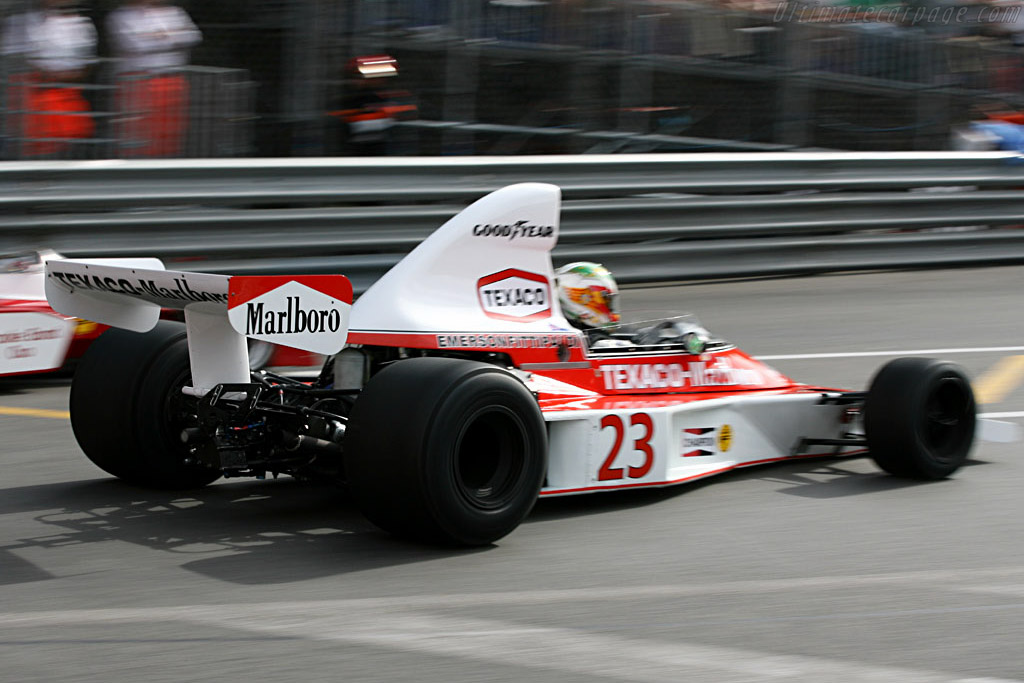 McLaren M23 - Chassis: M23-8   - 2006 Monaco Historic Grand Prix
