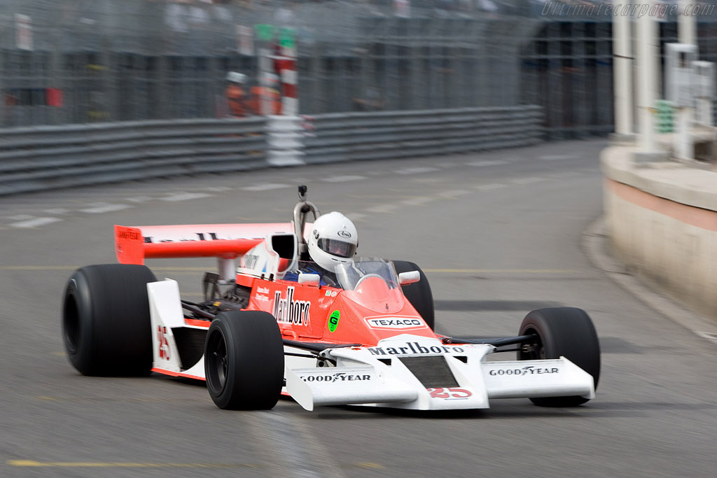 McLaren M26 - Chassis: M26-1 - Driver: Frank Lyons  - 2008 Monaco Historic Grand Prix