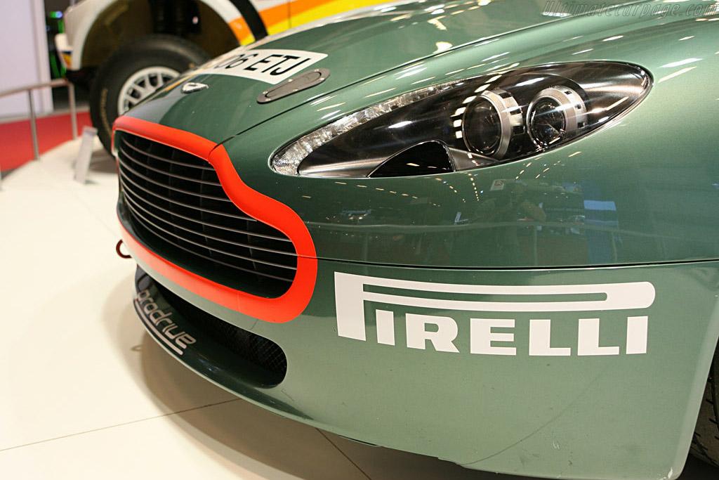 Aston Martin V8 Vantage Rallye    - 2006 Mondial de l'Automobile Paris