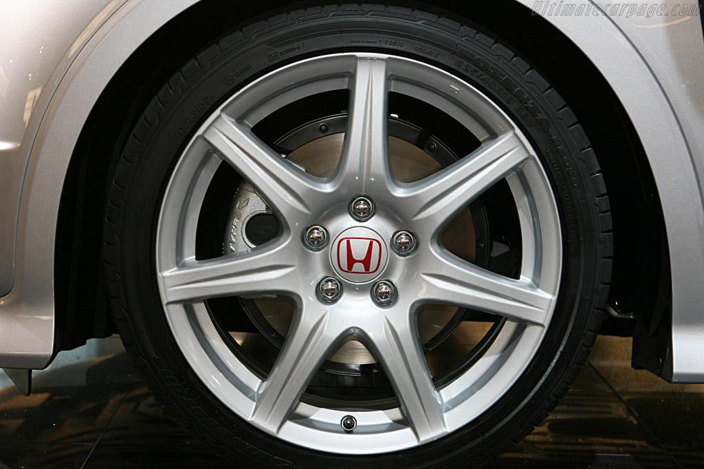Honda Civic Type R    - 2006 Mondial de l'Automobile Paris