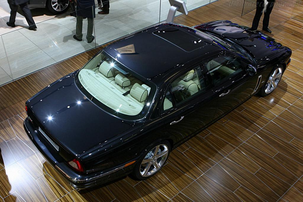 Jaguar XJR Portfolio    - 2006 Mondial de l'Automobile Paris
