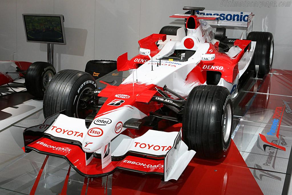 Toyota TF106    - 2006 Mondial de l'Automobile Paris