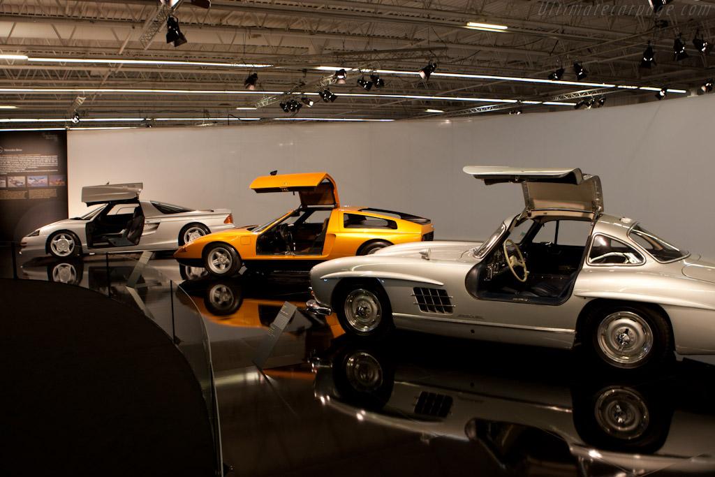welcome to paris 2010 mondial de l 39 automobile paris. Black Bedroom Furniture Sets. Home Design Ideas