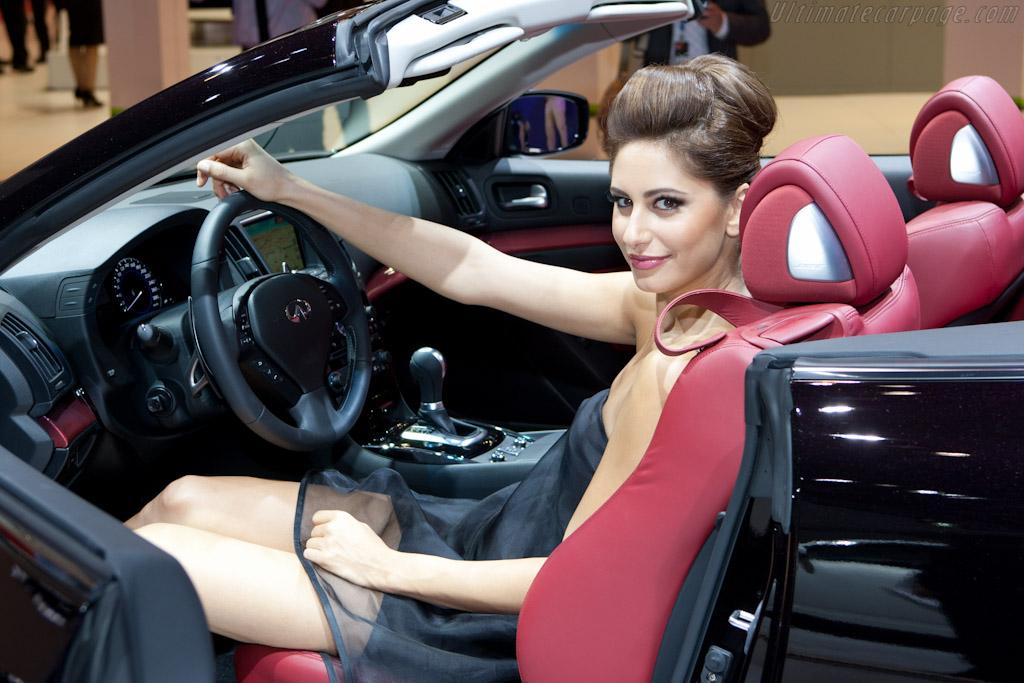 Infiniti G35 IPL Cabriolet - 2010 Mondial de l'Automobile Paris