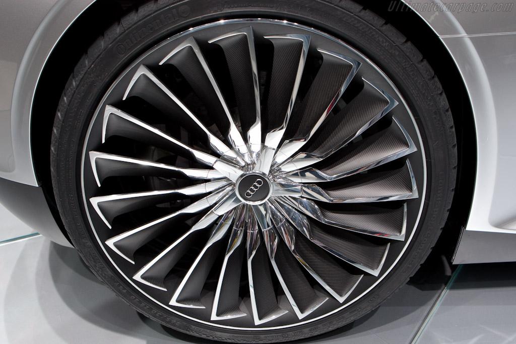 Audi e-tron Spyder    - 2010 Mondial de l'Automobile Paris