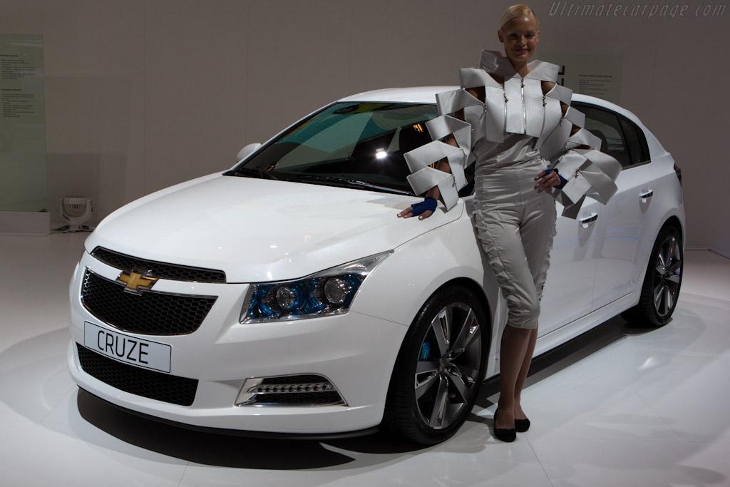 Chevrolet Cruze    - 2010 Mondial de l'Automobile Paris