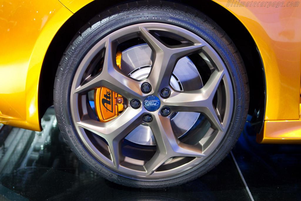 Ford Focus ST    - 2010 Mondial de l'Automobile Paris