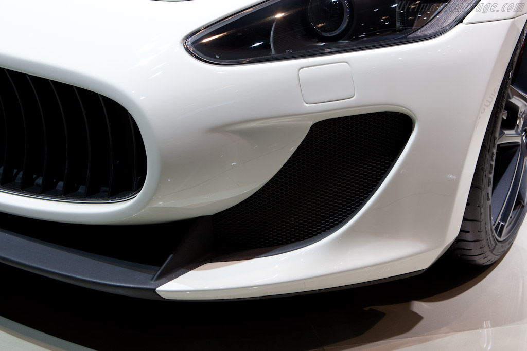 Maserati GranTurismo MC Stradale    - 2010 Mondial de l'Automobile Paris