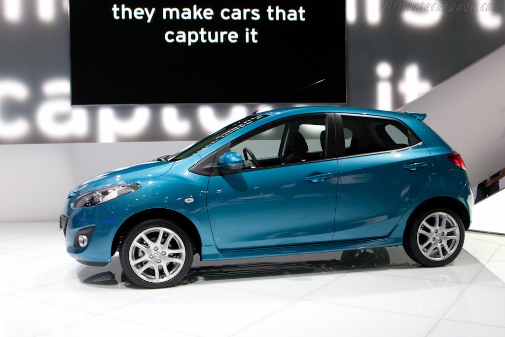 Mazda 2    - 2010 Mondial de l'Automobile Paris