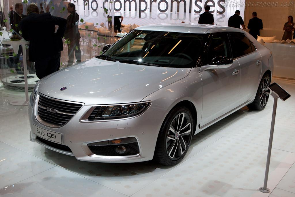 Saab 9-5    - 2010 Mondial de l'Automobile Paris