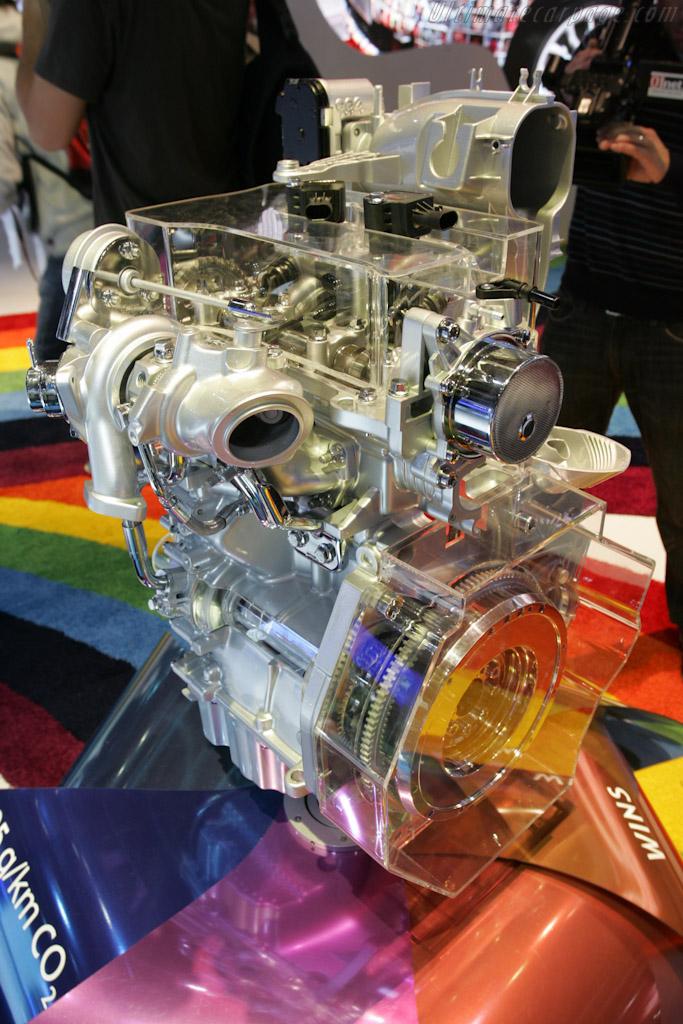 Twin Air Engine    - 2010 Mondial de l'Automobile Paris