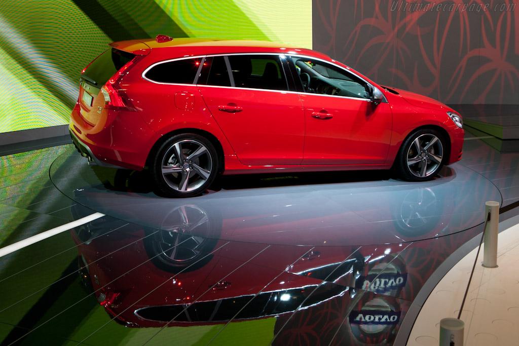 Volvo V60    - 2010 Mondial de l'Automobile Paris