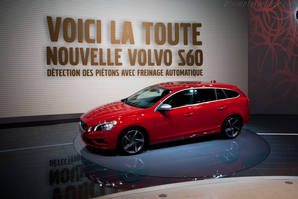 Volvo V60    - 2010 Mondial de l'Automobile Paris