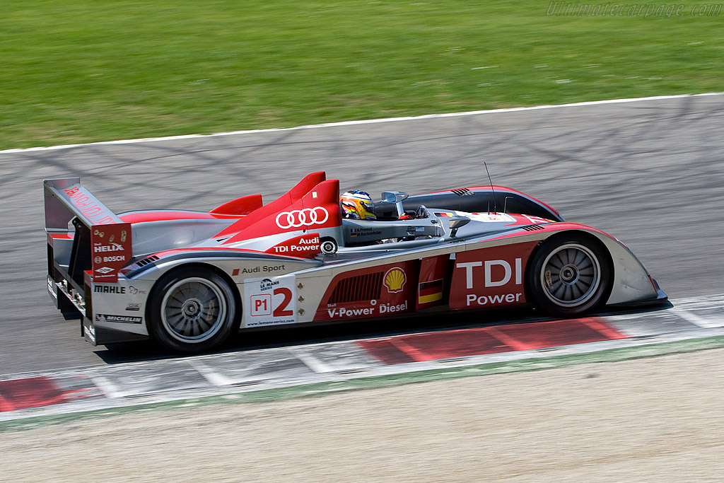 A quick recovery after starting from the pits - Chassis: 301   - 2008 Le Mans Series Monza 1000 km