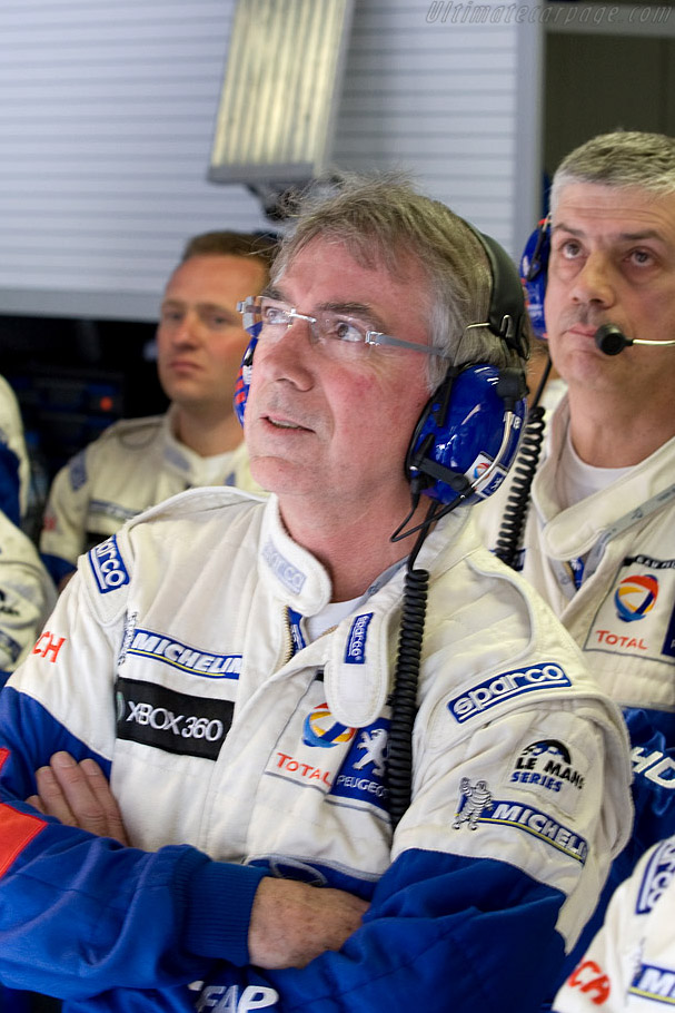 Anxious moments in the Peugeot pit    - 2008 Le Mans Series Monza 1000 km
