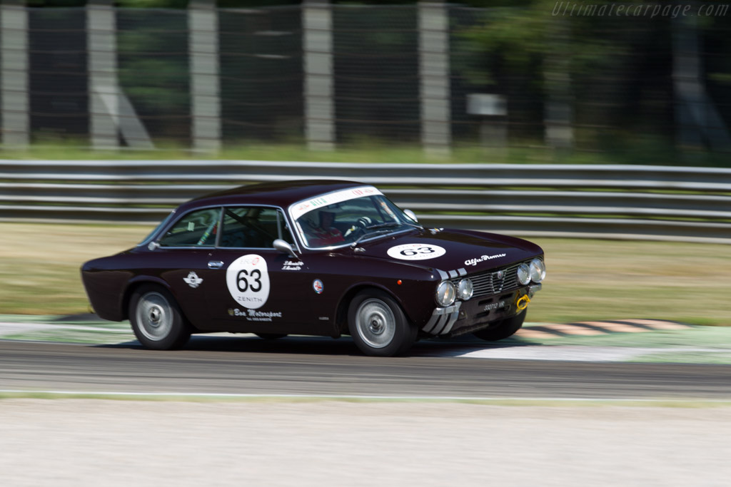 Alfa Romeo 2000 GTV - Chassis: 2438415 - Driver: Luigi Mercatelli / Giuseppe Ciufi  - 2015 Monza Historic