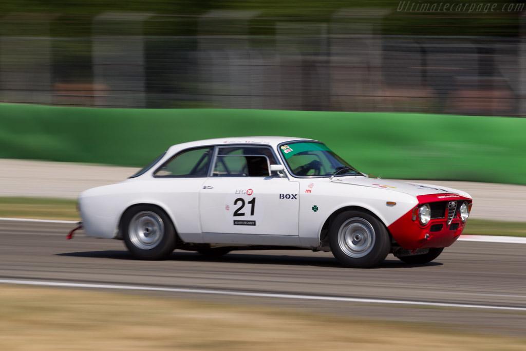 Alfa Romeo Giulia GTA - Chassis: AR613911 - Driver: Clive Joy  - 2015 Monza Historic