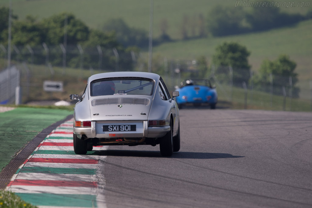 Porsche 911  - Driver: John Young / Nigel Greensall  - 2014 Mugello Classic