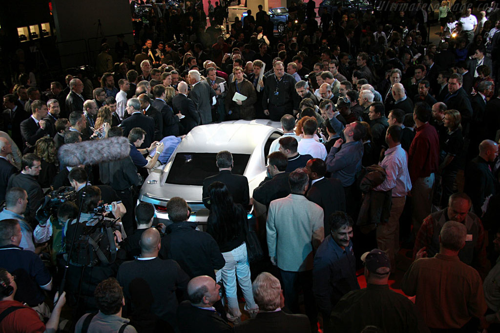 Camaro crazyness    - 2006 North American International Auto Show (NAIAS)