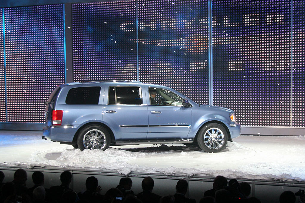 Chrysler Aspen    - 2006 North American International Auto Show (NAIAS)