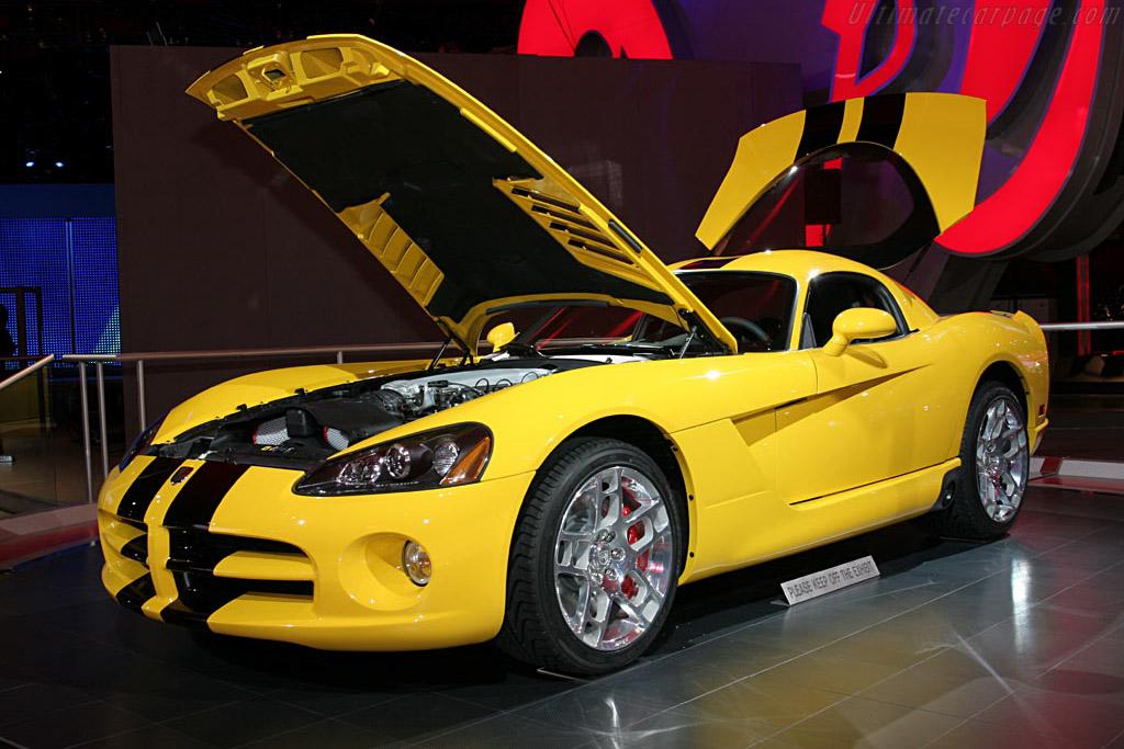Dodge Viper SRT10    - 2006 North American International Auto Show (NAIAS)